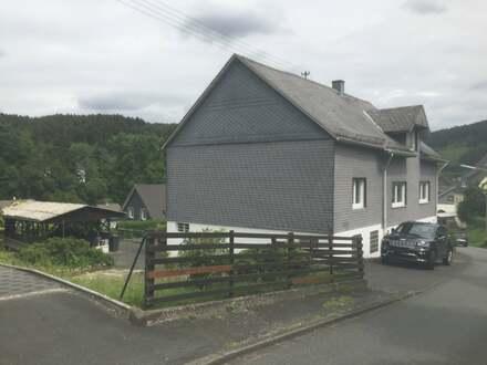 Einfamilienhaus mit Garage und großem Wiesengrundstück in Siegen-Gosenbach