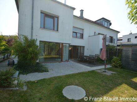 Modernes Einfamilienhaus in bevorzugter Lage am Rande des Godelsberg