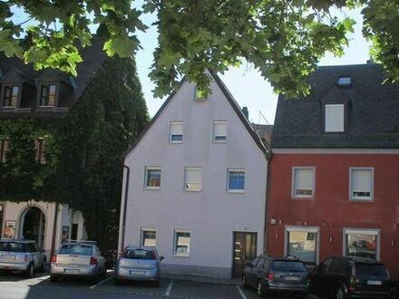 Stadthaus in zentraler Lage -Bereits vollständiger Leerstand vorhanden-