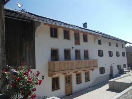 * NEUBAU: JETZT FERTIG: moderne, großzügige 2-Zimmer-Wohnung im bewirtschafteten Bio-Bauernhof bei Bad Feilnbach* ca. 5 km…