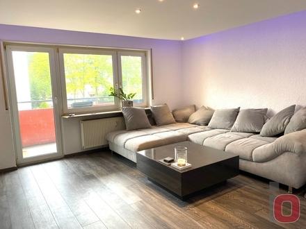 Freundliche 3-ZKB-Wohnung mit Einbauküche, Balkon und Loggia