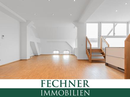 Besondere Altstadt-Wohnung mit Aufzug / TG-Stellplätzen / Einbauküche / Balkon / Gäste-WC u.v.m.