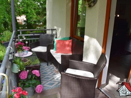 Zentral gelegene Wohnung mit Einbauküche und Balkon!!