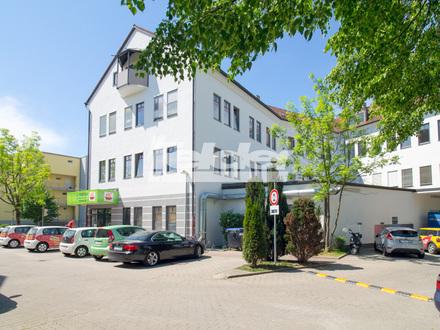 Büroräume an Einfallstraße mit Parkplätzen!