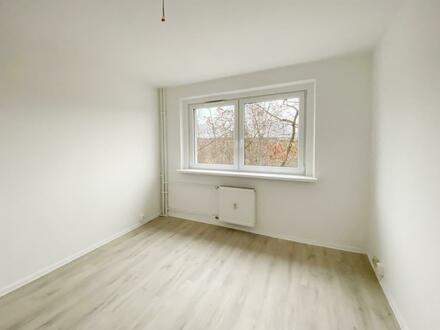 Erstbezug nach Sanierung! Die perfekte 3-Raum-Wohnung für Kleinfamilien!
