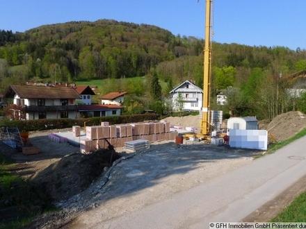 In idyllischer Dorflage! Schöne Neubau-Doppelhaushälfte mit Bergblick