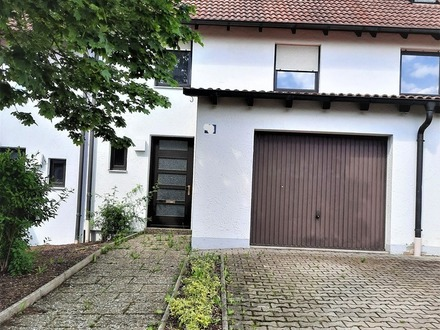 Großzügiges, solides Haus mit Garage in ruhiger Ortsrandlage
