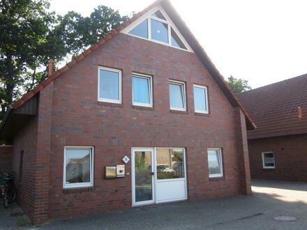 Zweifamilienhaus in zentraler Lage von Ahlhorn, ideal auch als Mehrgenerationenhaus!