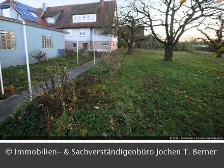 Ältere Doppelhaushälfte auf schönem Grundstück im Teurershof