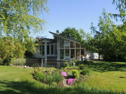 Einzigartig - repräsentativ: Schöner Wohnen in Nortrup mit Blick ins Grüne