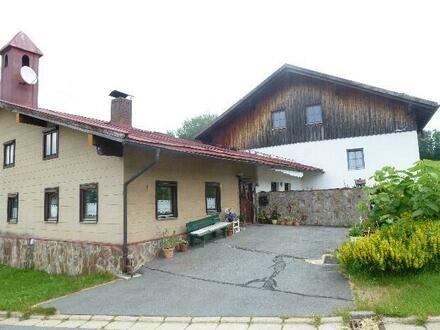 schönes Wohnhaus mit drei Wohnungen und angebautem Altbau in ruhiger Weiler-Lage