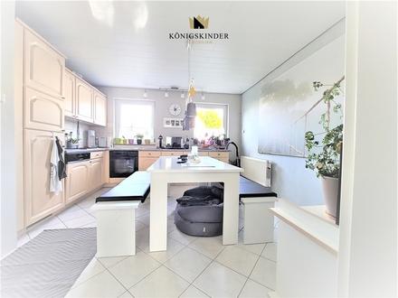 süße 2 Zimmer Erdgeschosswohnung mit Wohnküche, Tageslichtbad +herrlichem Gartenanteil mit Freisitz