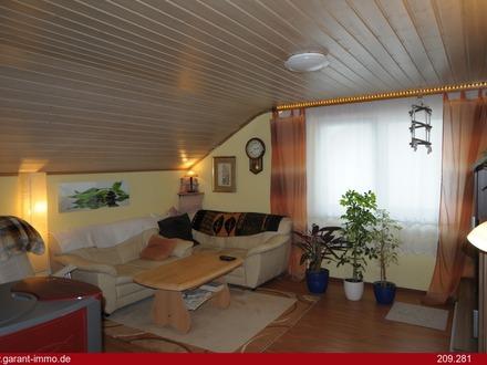 Dachgeschoss-Wohnung mit Flair, Dachterrasse und Gartenanteil - am Ortsrand gelegen ...