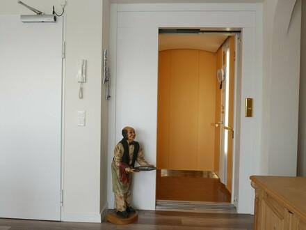 Besondere Penthouse-Wohnung in zentraler Lage von Quelle