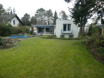 Freistehender Bungalow mit Garage auf einem 1.255 m² Grundstück - Dortmund-Wambel