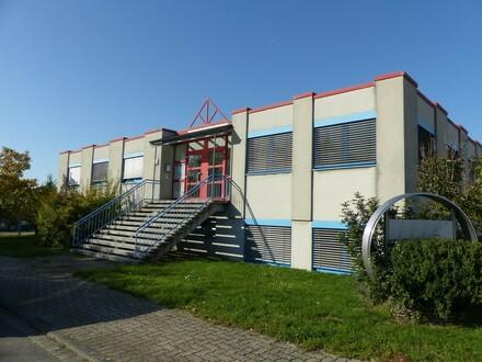 Anwesen mit Produktions-/Werkshalle, Büro- und Sozialräumen im Industriegebiet