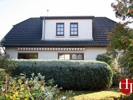 Einfamilienhaus mit Garage auf sonnigem Grundstück!