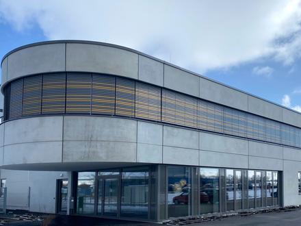Moderne und attraktive Praxis-/Büroflächen im Gewerbegebiet!