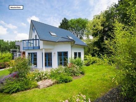 Teilungsversteigerung Zweifamilienhaus in 71155 Altdorf, Lerchenstr.