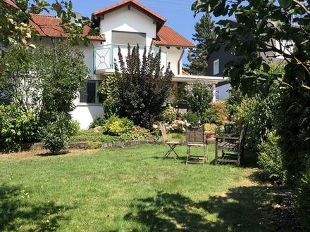Es gibt noch tolle Immobilien! ... Schöne Doppelhaushälfte mit klasse Grundstück