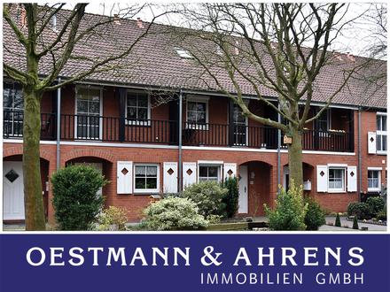 Familienfreundliches Reihenhaus in Südlage. Gute Ausstattung mit moderner Einbauküche und Carport.