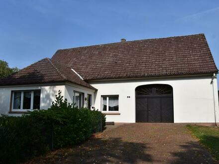 Wohntraum mit Potenzial! Älteres Wohnhaus mit viel Land in der Bohmterheide