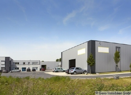 Moderne Produktions- und Lagerhallen mit Büroflächen in Gütersloh