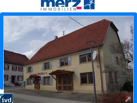 Ehemalige Gaststätte mit großer Wohnung und Nebengebäude