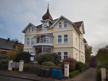 Wunderschöne helle 2-Zi. Wohng, mit Balkon im EG einer Altbauvilla in Zentrum von Bad Oeynhausen