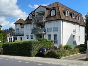 Top gepflegte Maisonette-Eigentumswohnung mit umlaufendem Balkon und 2 TG-Stellplätzen