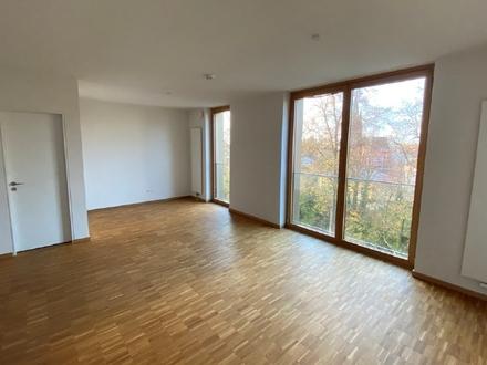 Stilvolle Maisonette-Wohnung mit großzügigem Sonnen-Patio und Balkon