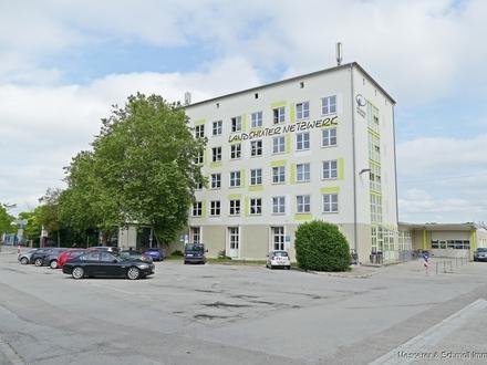 PROVISIONSFREI! Barrierefreie renovierte Gewerbefläche am Hauptbahnhof für Praxis, Büro, Schulung