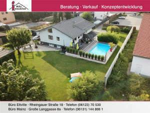 Traumhaus mit allem was das Herz begehrt in Split-Level-Bauweise mit großem Garten, 2 Terrassen und hochwertigem Schwimmbad