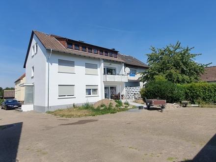 Renoviertes 3 Familienhaus mit 4 Garagen in ruhiger Anwohnerstraße von Lage Waddenhausen