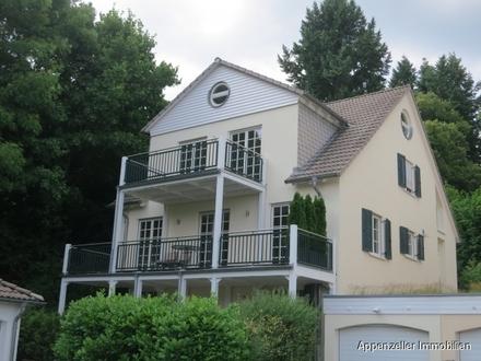 Großzügige Wohnung mit 170m² Wohnfläche über zwei Etagen in traumhafter Landhausvilla zu vermieten