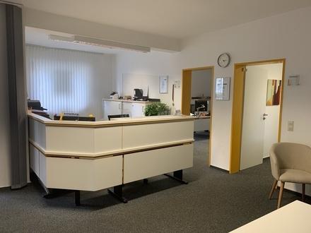 Gepfl. ebenerdige Büro-/Praxisfläche in 33330 Gütersloh-Zentrum