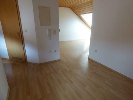 Gemütliche 2-Zimmer Wohnung im Dachgeschoss