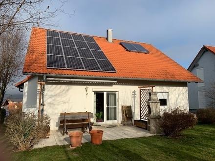 RESERVIERT - Hübsches, top gepflegtes Zweifamilienhaus mit Garage in angenehmer Wohnlage TO Kirchberg