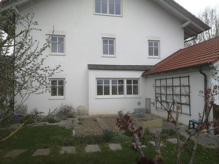 großzügige gepflegte Doppelhaushälfte in Altötting-Süd, BJ 1999