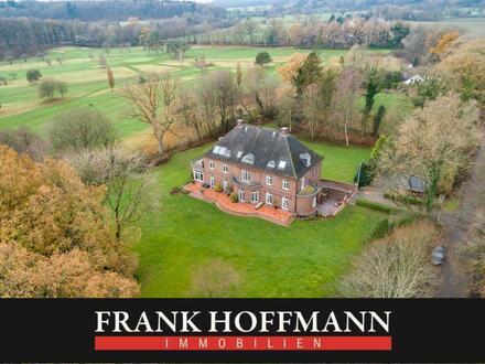Schönes Herrenhaus in Alleinlage nördlich von Hamburg