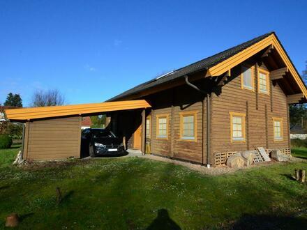 Rarität in Stenum: Einfamilienhaus in Holzblockbauweise in begehrter Lage