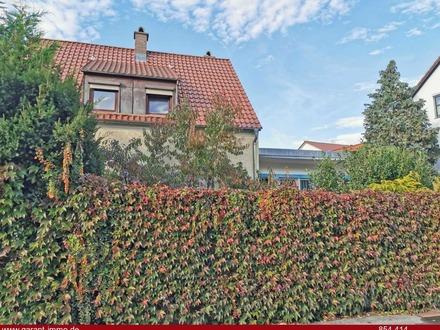 Freistehendes Einfamilienhaus in ruhiger Lage mit traumhaftem Garten