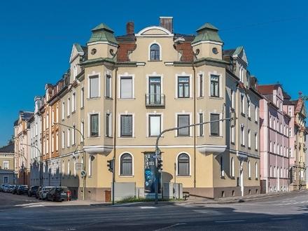3-Zimmer-Dach-Wohnung mit TG-Stellplatz, Einbauküche und Infrarotkabine, Landshut-City