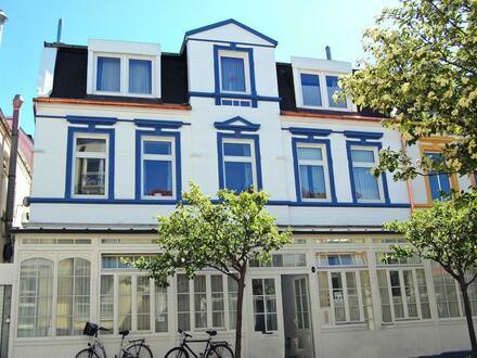 Norderneyer Bäderarchitektur - Großzügig geschnittene 3-Zimmer-Wohnung im Herzen der Insel