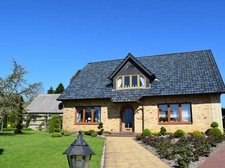 Wunderschön ländlich gelegenes Einfamilienhaus mit Einliegerwohnung und Eiderblick!