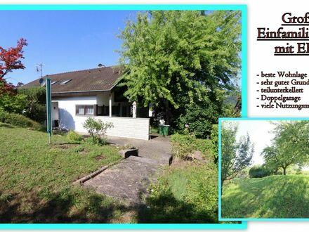 *Ruhig gelegenes Einfamilienhaus mit ELW und verschiedenen Nutzungsmöglichkeiten in bester Wohnlage*