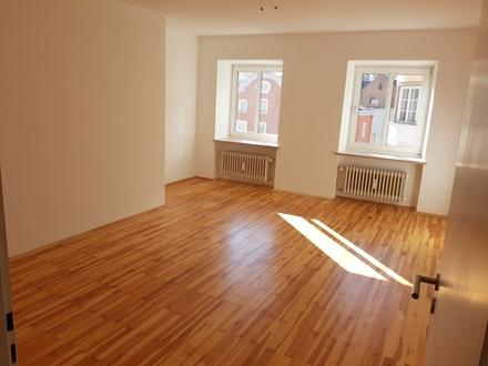 Viel Platz in liebevoll renovierter 5-Zimmer-Wohnung am Marktplatz Rotthalmünster