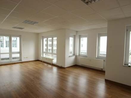 Moderne Büroräume in Senden suchen neuen Mieter