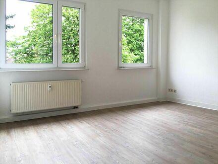 +++ Renovierte, sonnige 3 Raumwohnung mit Balkon +++