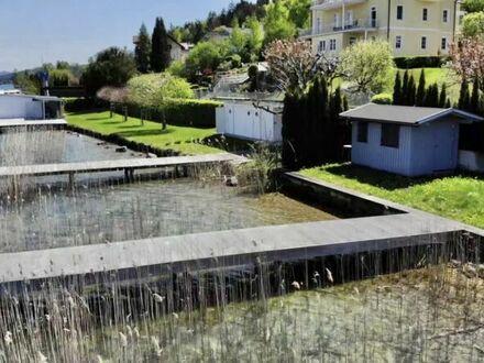 Velden am Wörthersee: Doppelhaushälfte mit privatem Seezugang